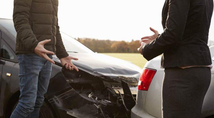 car crash accident arguing car insurance